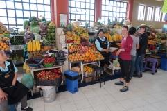 On fait quelques achats au marché central de Quito